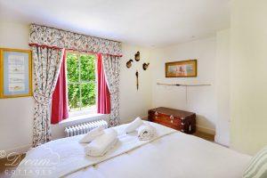 Bedroom 1 alt