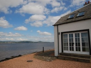 House in Newport-on-tay