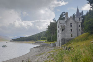 The Gate Lodge at Ben Alder Estate at Benalder Estate, Dalwhinnie PH19 1AE, UK for Sleeps 8